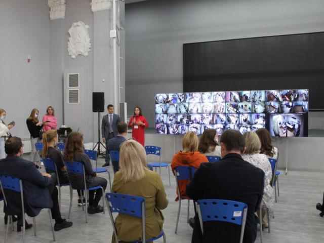 В Центре общественного наблюдения побывали представители партий и кандидаты