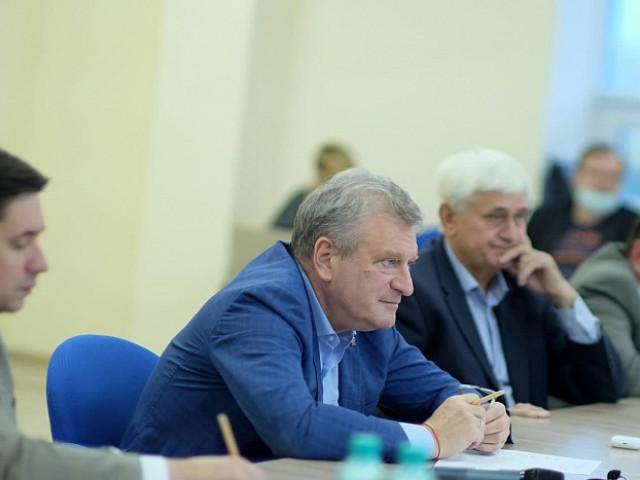 Игорь Васильев и спортивные эксперты определили приоритеты развития отрасли