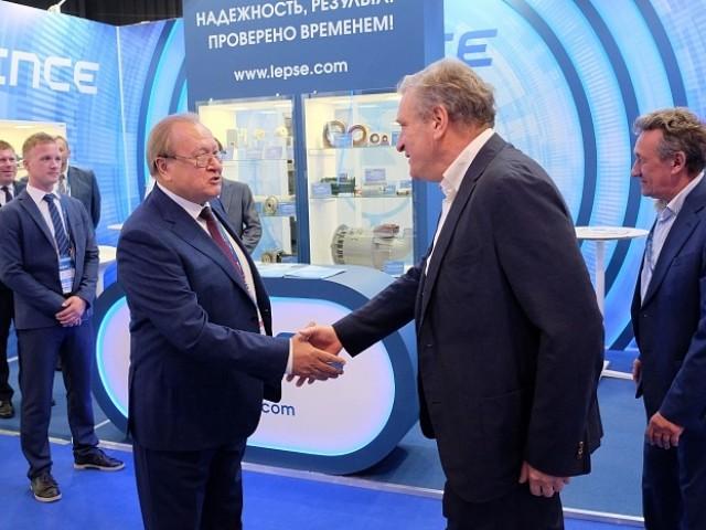 Кировские заводы представили свою продукцию отрасли авиастроения